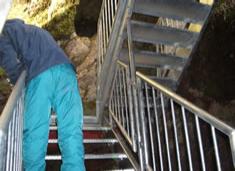 平尾台牡鹿鍾乳洞 洞窟内階段改修工事